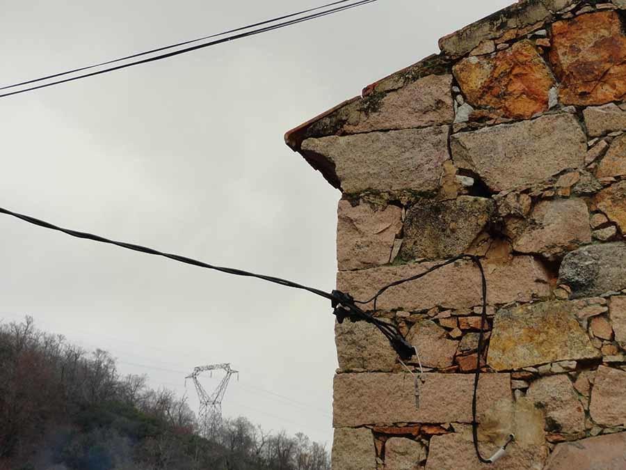 corniche mur pierre, village corse