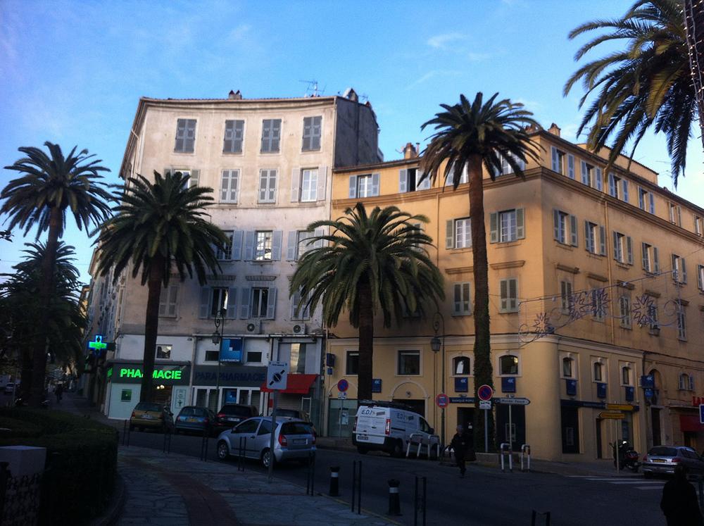 Ajaccio, Immeuble place Foch photo
