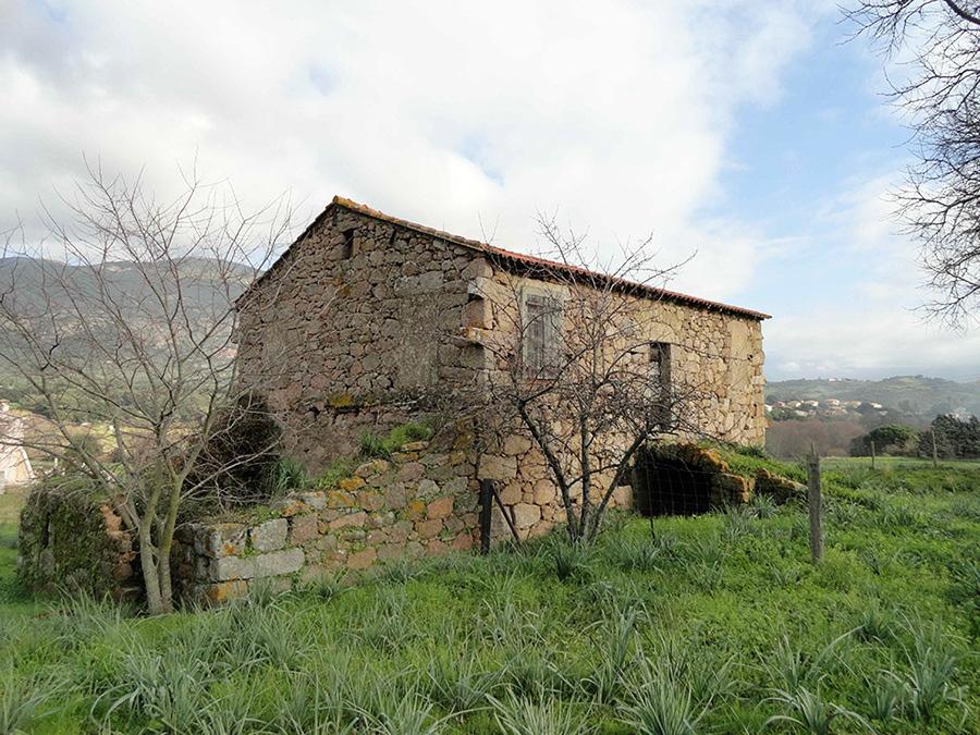 maison pierre, typique, alata, corse, linteau, voute