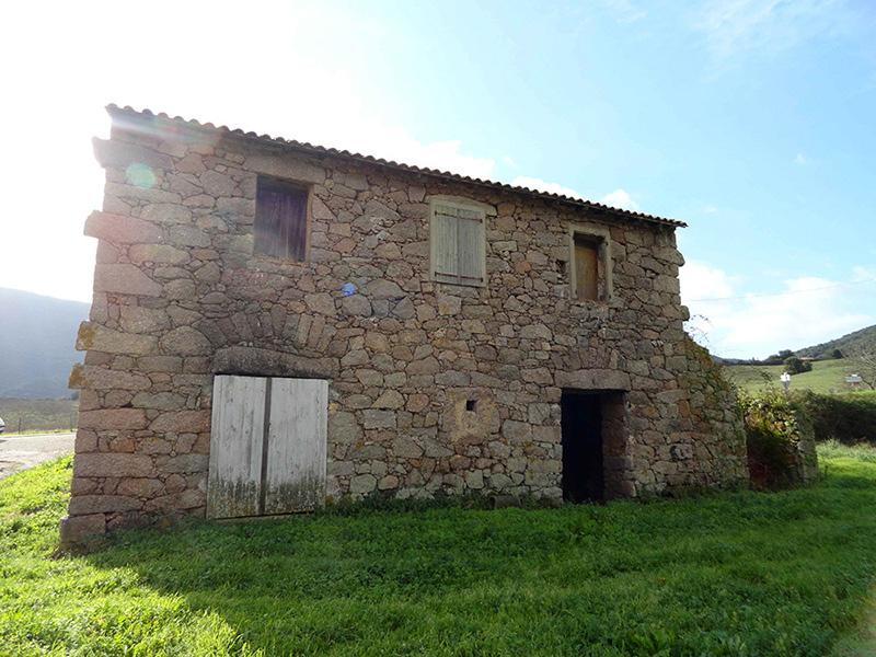 maison pierre, typique, alata, corse, linteau