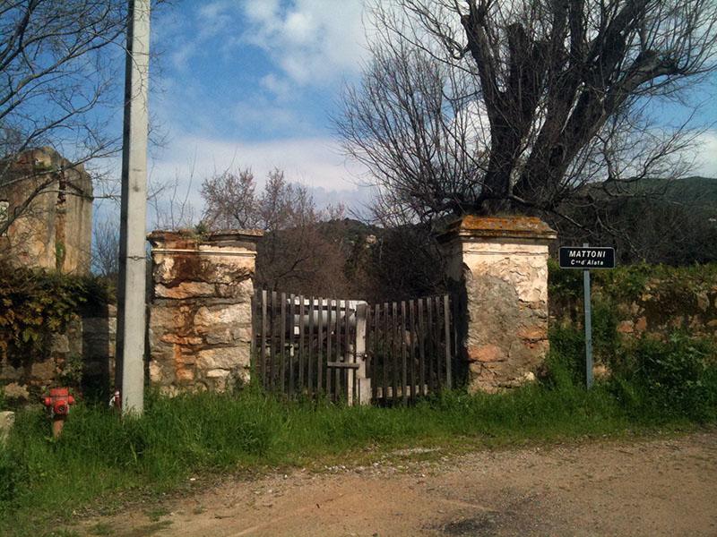 portail ruine, alata, corse