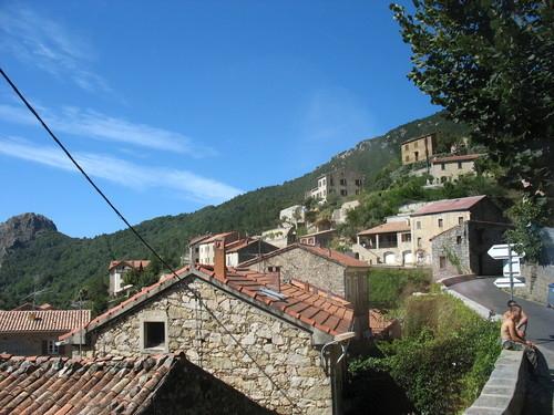 Maison pierre, toit tuiles, tavaco village, corse