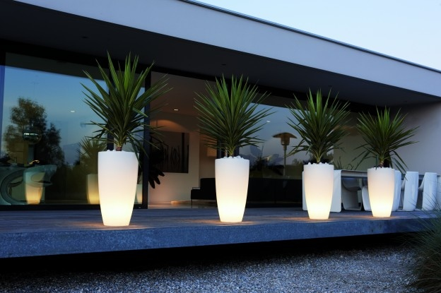 Pl04 Led Ceiling Light P 1034 in addition Which Are The Best Places To Celebrate Diwali Around The World Fq 2009939 in addition Beauty The Beast Centerpiece2 in addition Brighten Up Your Evenings With These Outdoor Lights likewise Design Restaurant Counter Modern Fast Food 1817980285. on led buffet lights