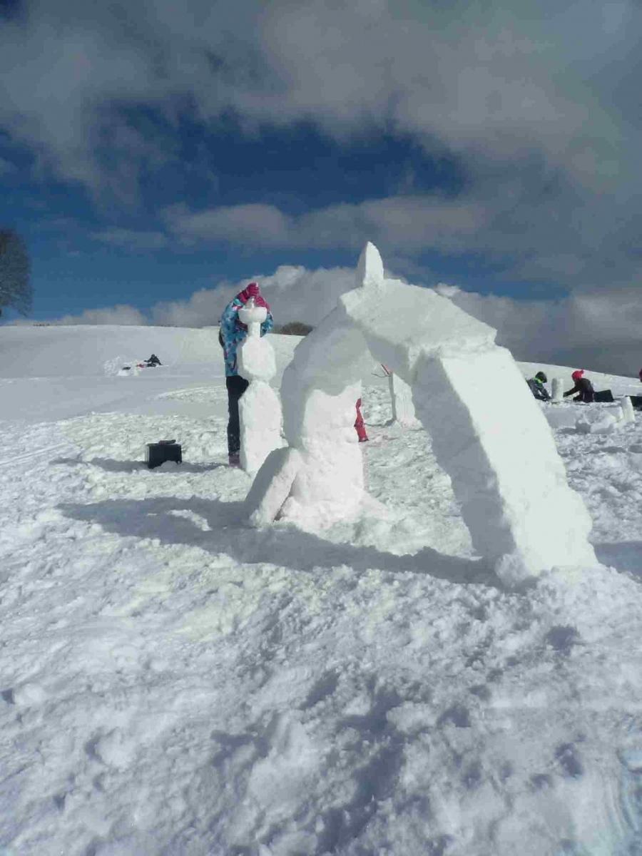 sorties 7 scolaires snow art fabrice testud accompagnateur en montagne haute savoie igloo fondue nocturne scolaires raquettes à neige