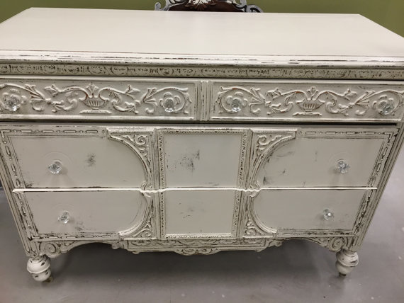 commode-blanche-shabby-detail