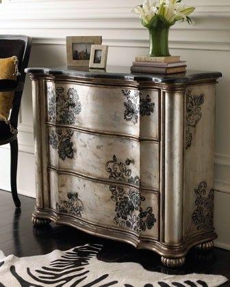 repeindre un meuble avec une peinture effet m tal. Black Bedroom Furniture Sets. Home Design Ideas