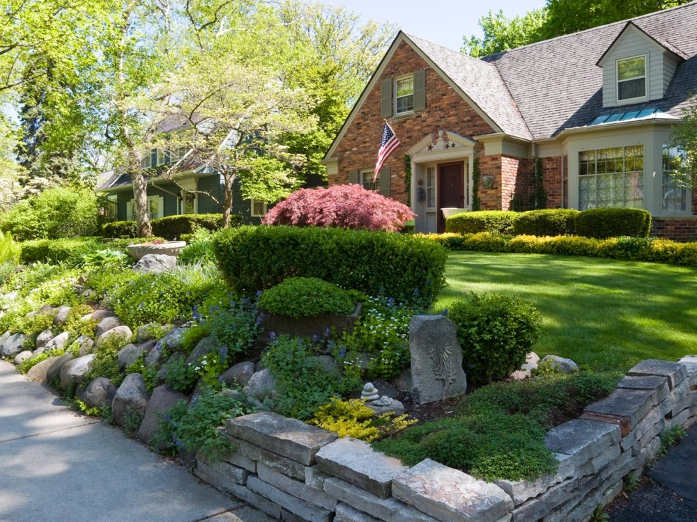 istock-9452114_landscaping-house-stone_s4x3.jpg.rend.hgtvcom.1280.960