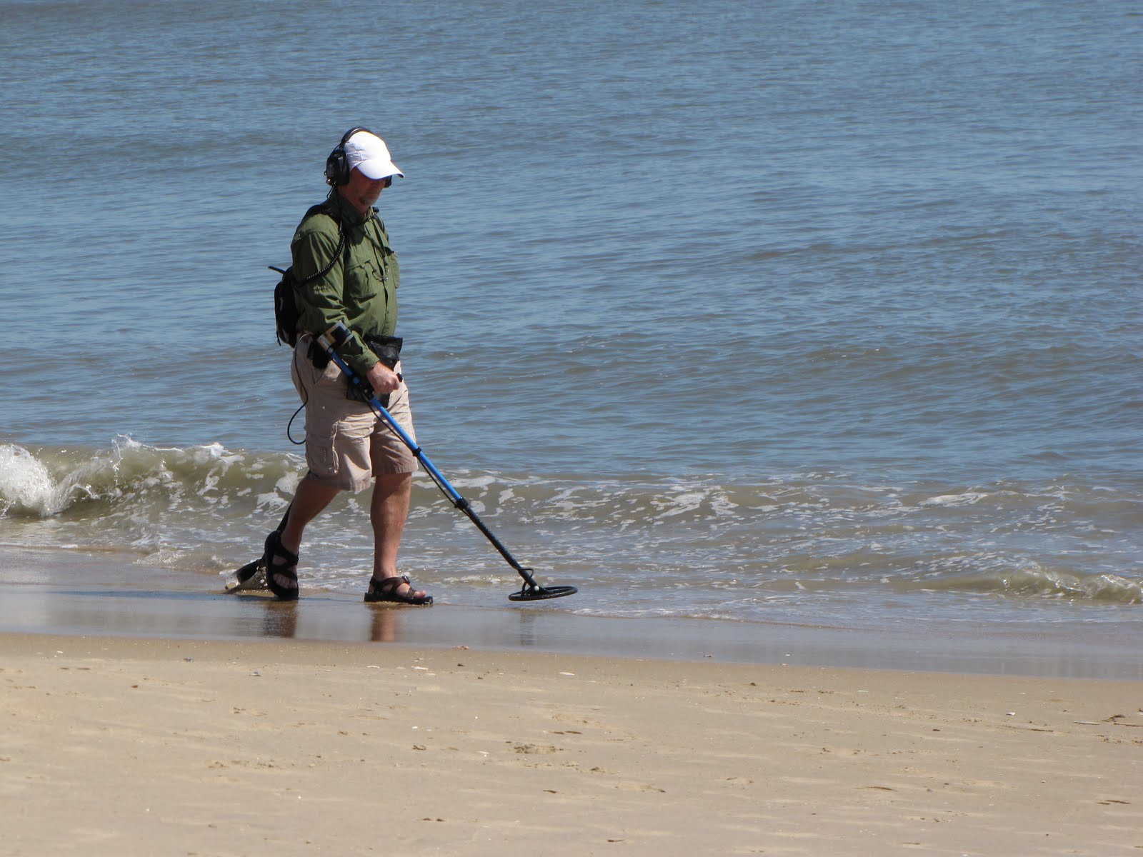 Information Of Metal Detectors Fun Detector To Findcoins At The Beach Where Find
