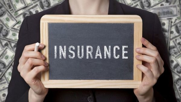 insurance-blackboard-woman-istock-487371042-crop-600x338