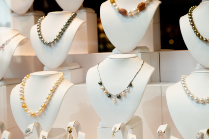 iStock_necklace-busts