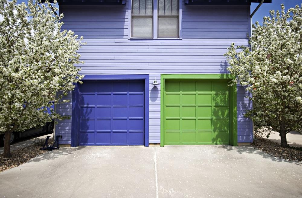 Garages-iStock_000008922593_Medium