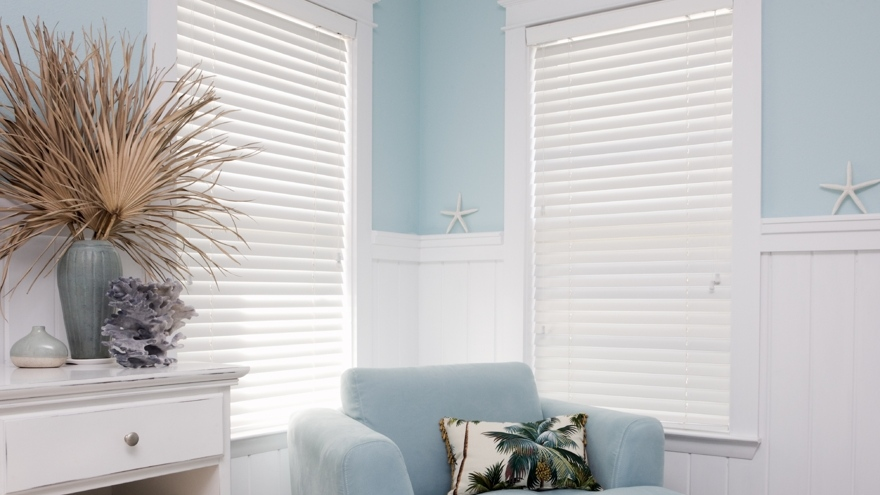 iStock-painted-venetian-blinds2