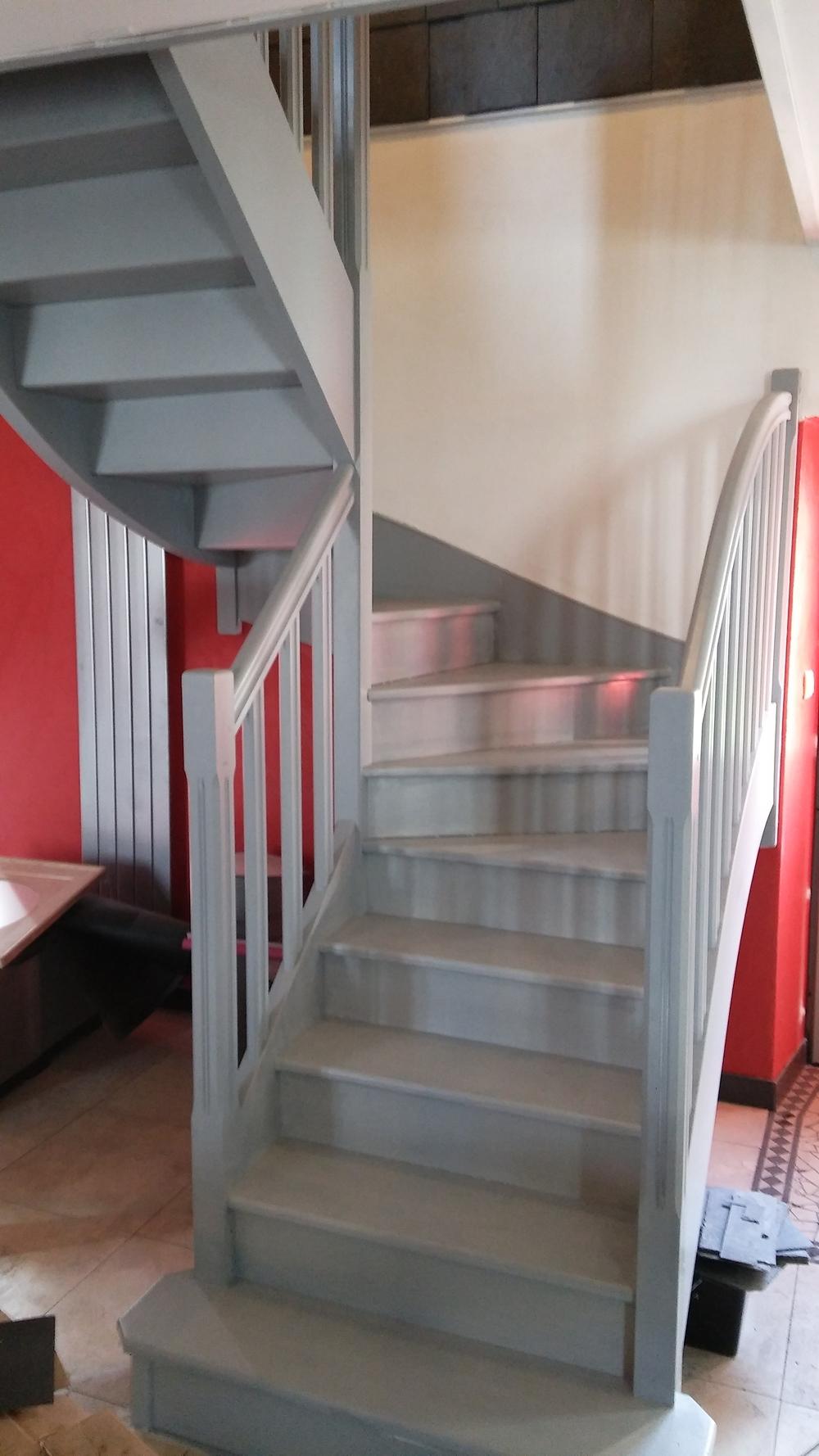 comment peindre son escalier. Black Bedroom Furniture Sets. Home Design Ideas