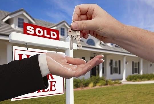 real-estate-handing-over-keys-istock