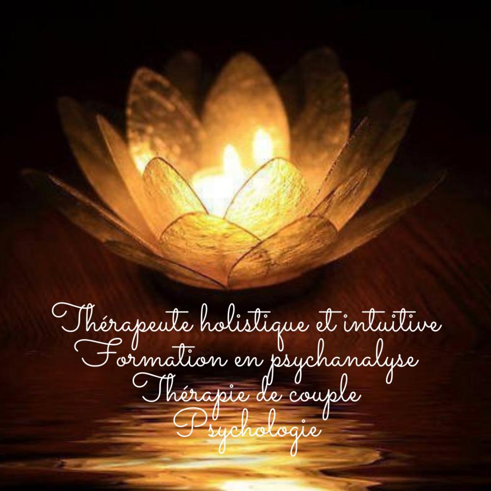 Thérapeute_holistique_et_intuitive_Formation_en_psychanalyse_Thérapie_de_couple_Psychologie